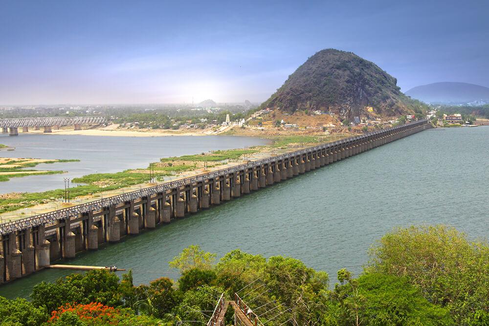 Découvrez la ville de Vijayawada, située sur les rives de la rivière Krishna